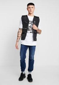 Diesel - SAFADO - Straight leg jeans - 0870f - 1