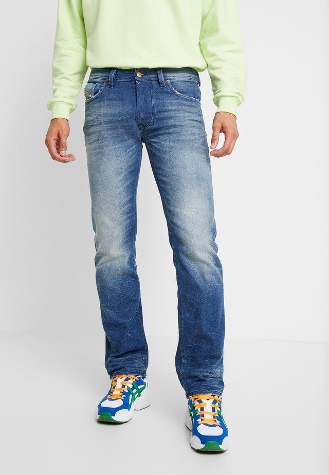 LARKEE - Straight leg jeans - 0090d