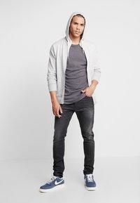 Diesel - TEPPHAR - Jeans slim fit - 082as - 1