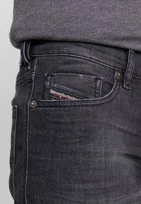 Diesel - TEPPHAR - Jeans slim fit - 082as - 5