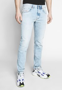 Diesel - THOMMER-X - Slim fit jeans - 0096c01 - 0