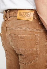 Diesel - THOMMER-SP - Jeansy Slim Fit - ochre - 5