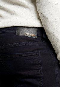 Diesel - SLEENKER - Jeans Skinny - 0095X01 - 3