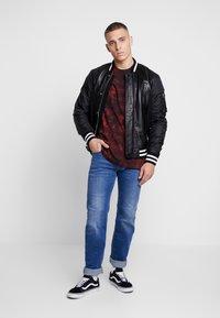 Diesel - LARKEE - Straight leg jeans - 0097X01 - 1
