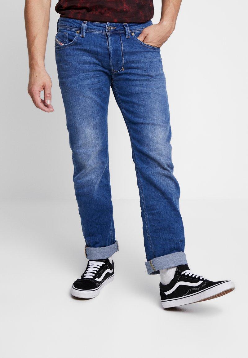 Diesel - LARKEE - Straight leg jeans - 0097X01