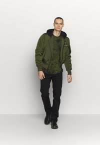 Diesel - LARKEE - Straight leg -farkut - black denim - 1