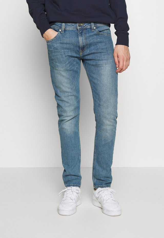 LARKEE - Straight leg jeans - light blue denim