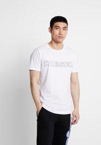 Diesel - UMLT-JAKE T-SHIRT - T-shirt con stampa - white - 0