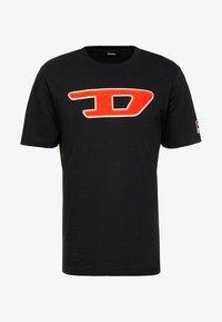 Diesel - T-JUST-DIVISION-D T-SHIRT - T-shirts med print - black - 4