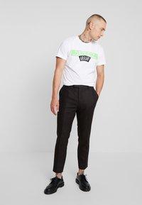Diesel - T-DIEGO-A1 T-SHIRT - T-shirt med print - white - 1