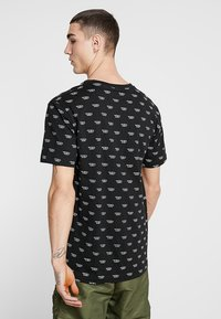 Diesel - UMLT-JAKE T-SHIRT - T-shirt imprimé - black - 2