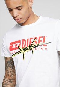 Diesel - DIEGO - T-shirts med print - white - 4