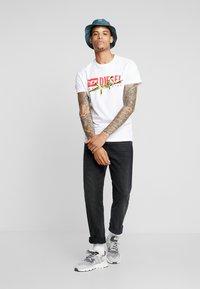 Diesel - DIEGO - T-shirts med print - white - 1