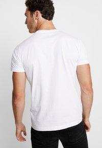 Diesel - T-DIEGO-LOGO T-SHIRT - T-shirts med print - white - 2
