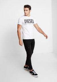 Diesel - T-DIEGO-LOGO T-SHIRT - T-shirts med print - white - 1