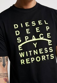 Diesel - JUST - Triko spotiskem - black - 5