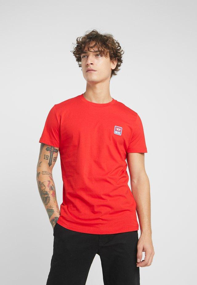 T-DIEGO-DIV T-SHIRT - Printtipaita - red
