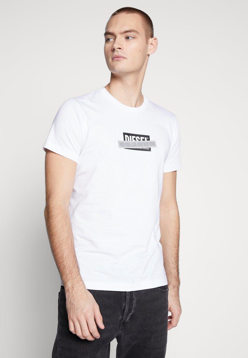 Diesel - T-DIEGO-S7 T-SHIRT - T-shirt con stampa - black