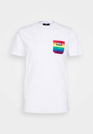 PRIDE BMOWT DIEGO - Print T-shirt - white