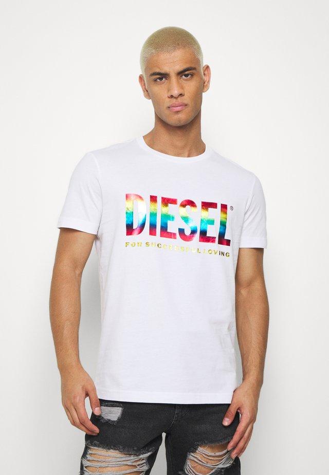 PRIDE BMOWT-DIEGO-NEW - Printtipaita - white