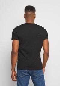 Diesel - PRIDE BMOWT-DIEGO-NEW - T-shirts print - black - 2