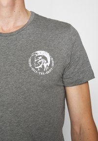 Diesel - UMTEE RANDALTHREEPACK - T-shirts print - black/green/grey - 7