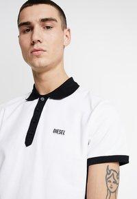 Diesel - T-SKATT-B1 POLO SHIRT - Poloshirt - white - 4