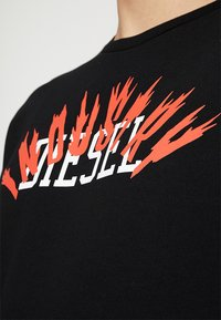 Diesel - S-GIR-A1 SWEAT-SHIRT - Mikina - black - 4