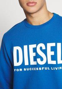 Diesel - GIR DIVISION LOGO - Collegepaita - blue - 4