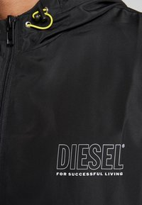 Diesel - BMOWT-WINDY-FG JACKET - Větrovka - black - 4