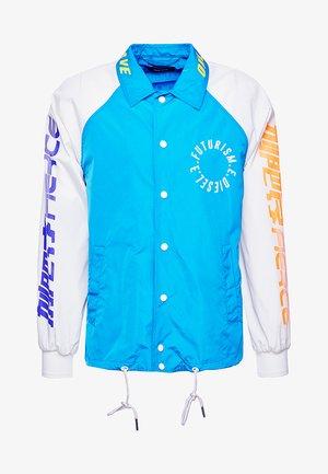 AKITO  - Lehká bunda - blau/weiss