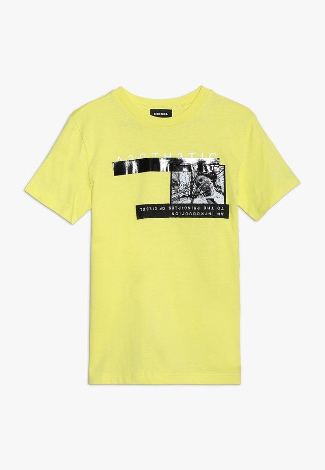 TJUSTYP MAGLIETTA - T-shirt print - new lemon yellow