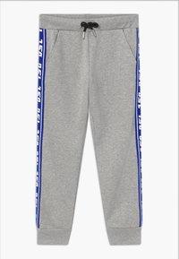 Diesel - Teplákové kalhoty - grey melange base contrast blue - 0