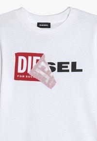 Diesel - TDIEGO - T-shirt con stampa - bianco - 3