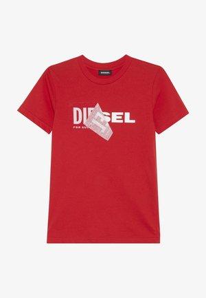 TDIEGO - T-shirt imprimé - red