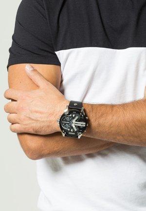 MR DADDY 2.0 - Chronograph watch - black