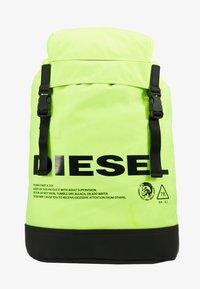 "Diesel - ""SUSEGANA"" F-SUSE BACK - Ryggsäck - fluo yellow - 6"