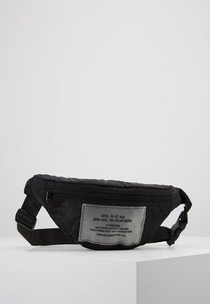BELTPAK - BELT BAG - Bältesväska - black