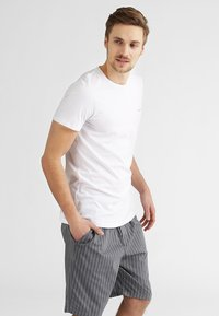 Diesel - UMTEE-JAKE 3 PACK - Pyjama top - 01 - 0