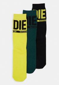 black/green/yellow