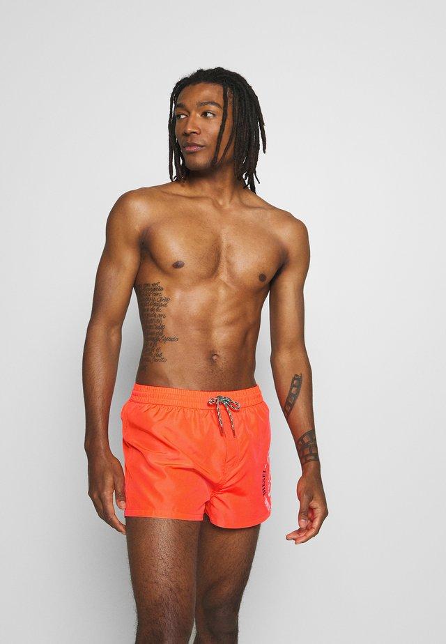 SANDY  - Swimming shorts - orange