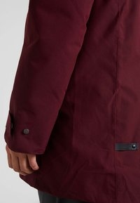 Didriksons - HELLE WOMENS  - Parka - anemon red - 7