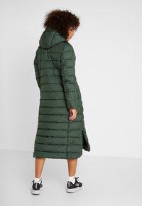 Didriksons - STELLA WOMENS COAT - Zimní kabát - spruce green - 2