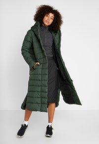 Didriksons - STELLA WOMENS COAT - Zimní kabát - spruce green - 1
