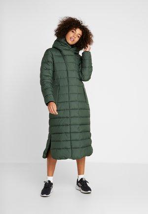 STELLA WOMENS COAT - Vinterkåpe / -frakk - spruce green