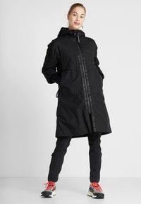 Didriksons - AINO WOMENS - Zimní kabát - black - 0
