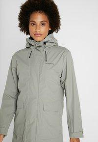 Didriksons - SISSEL WOMENS COAT - Waterproof jacket - mistel green - 3