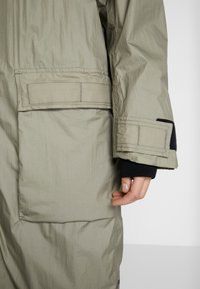 Didriksons - DALIA  - Waterproof jacket - mistel green - 5