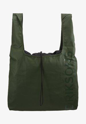 SKAFTÖ BAG - Sports bag - spruce green