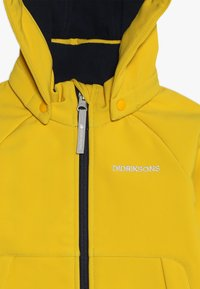 Didriksons - POGGIN KIDS JACKET - Soft shell jacket - oat yellow - 6